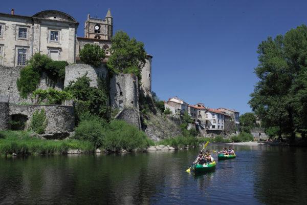 Beaux villages en Auvergne visibles en canoe-kayak depuis l'Allier